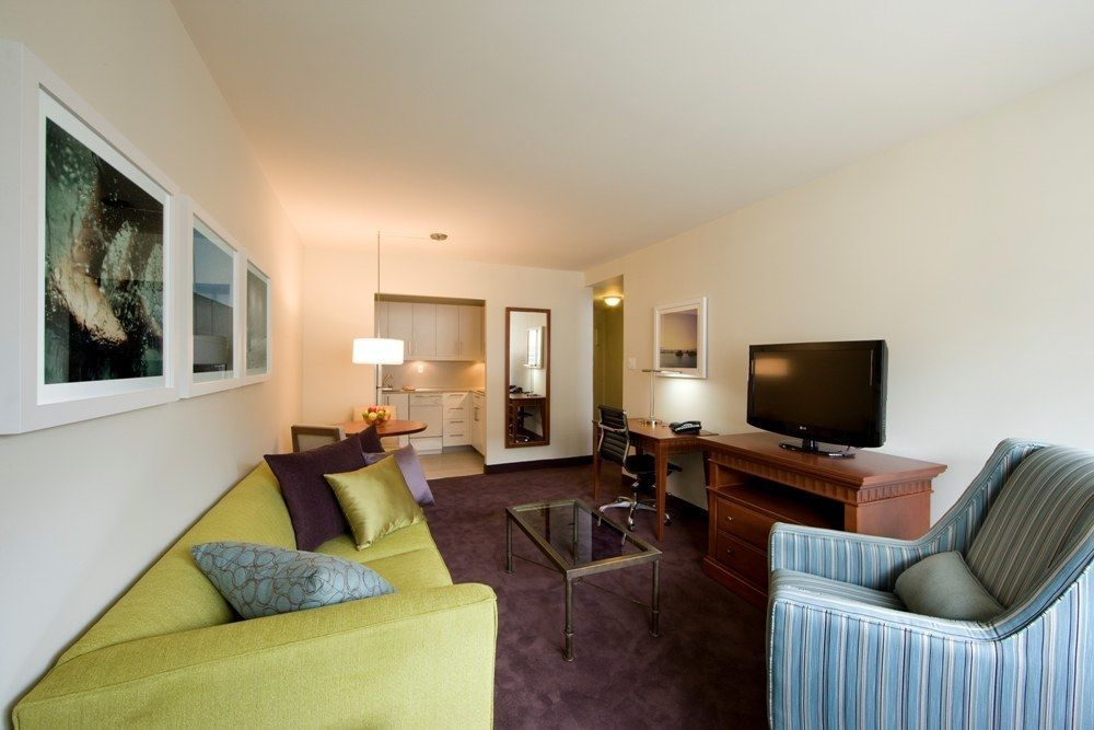 Two separate bedroom suite with Kitchenette